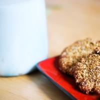 Wegańskie ciasteczka i mleko owsiane