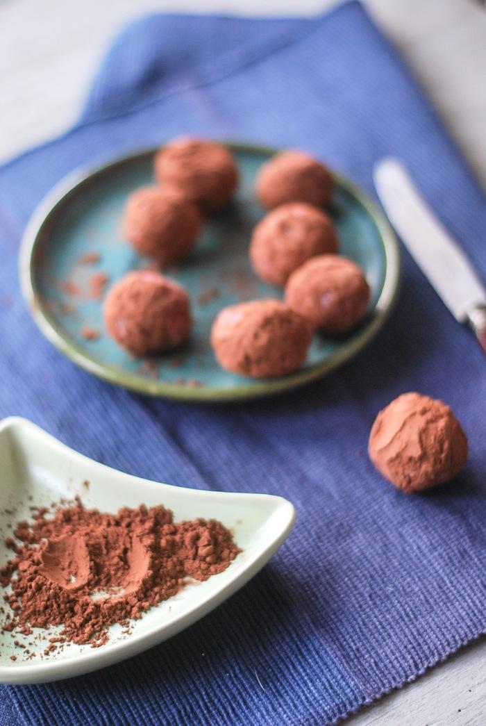 weganskie trufle truskawkowe z czekolada (5 of 13)