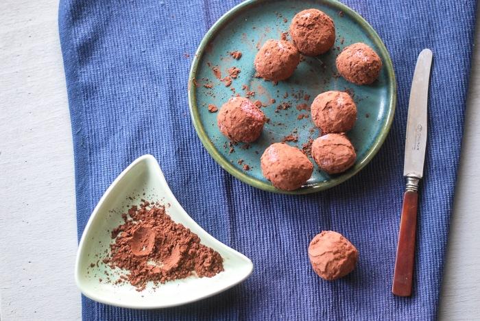 weganskie trufle truskawkowe z czekolada (7 of 13)